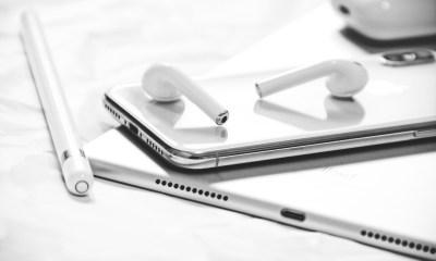 Apple está investigando fundas para iPhone con las que pudiéramos llevar y cargar nuestros AirPods, según una patente