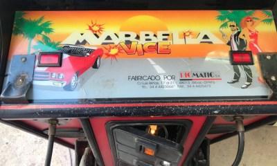 Marbella Vice, la recreativa de Álex de la Iglesia y Santiago Segura que nos puso a pegar tiros por Marbella 30 años antes que Ibai