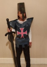 Last-minute-Halloween-costume-quick-and-easy: The Templar.jpg