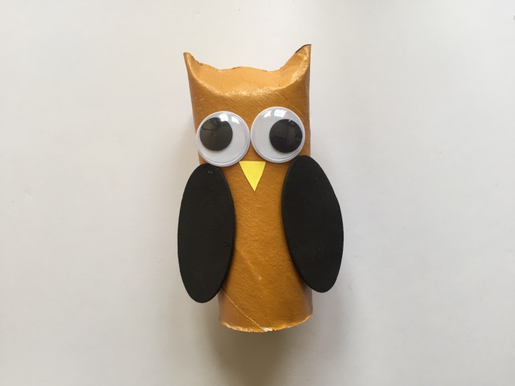 Toilet Paper Roll Owls - Description of step 5 of this tutorial - Fix the wings of the owl