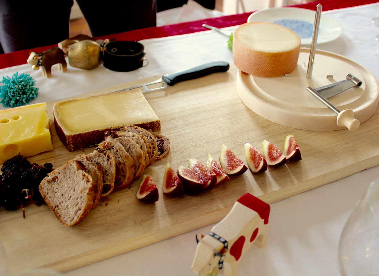 Showing Swiss food culture