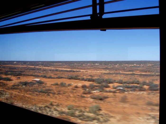 Australia by Train - Nullarbor through the window