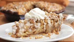 cinnamon-roll-apple-pie-recipe1