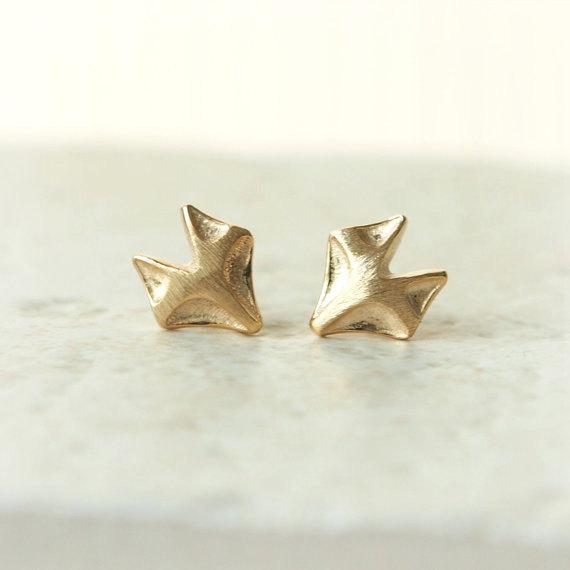 Minimalist gold fox earrings - so chic! #weheartfoxes #afflink