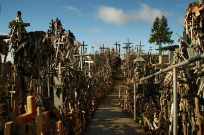 hill-of-crosses-road