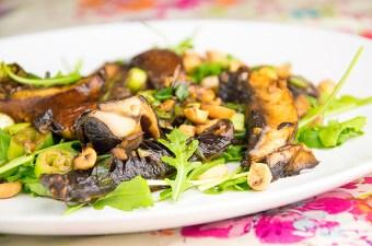 Recept Portobello met pinda en lente-ui
