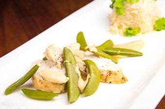Cashewsaus met miso en kip