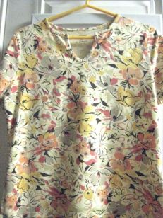this great top came from sally ann (salvation army) & its petite medium size fits perfectly