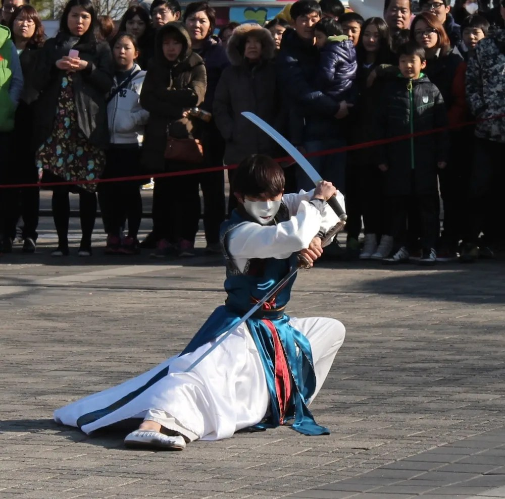 Korean martial arts sword fighter at N Tower| curlytraveller.com