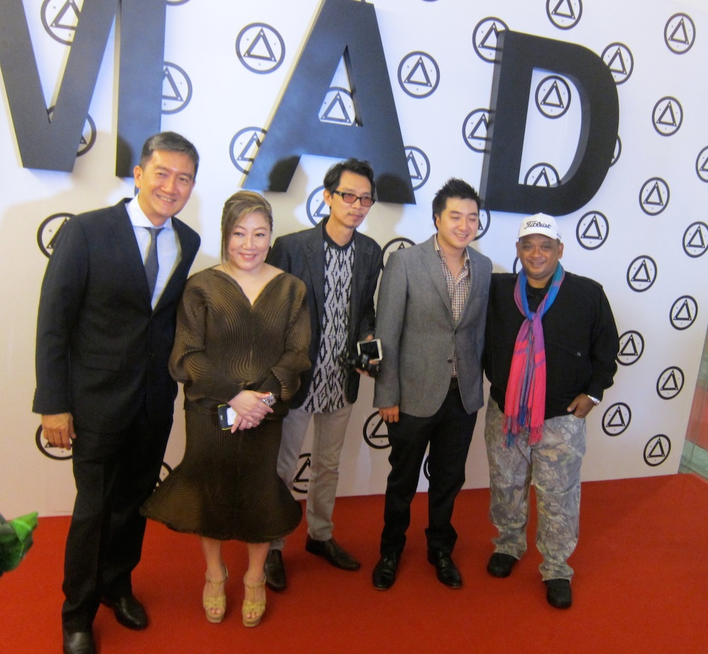 Mad founder Jasmine poses at opening of MAD museum | curlytraveller.com