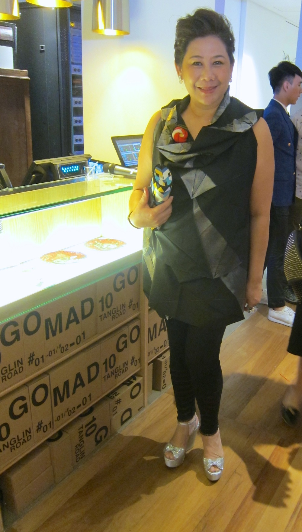 Lady in Origami top at MAD museum|curlytraveller.com