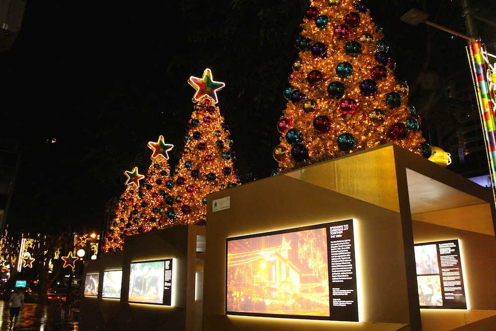 nostalgic pictures of christmas in Singapore | curlytraveller.com