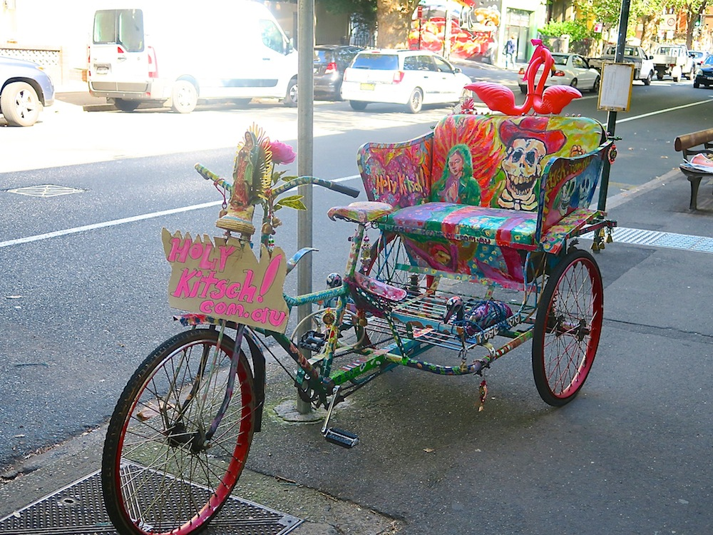 Mexican kitsch pimped rikshaw |curlytraveller.com