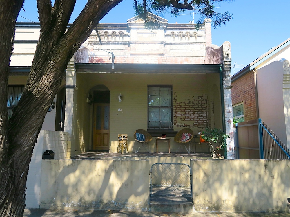 Sweet porch in St Peters |curlytraveller.com