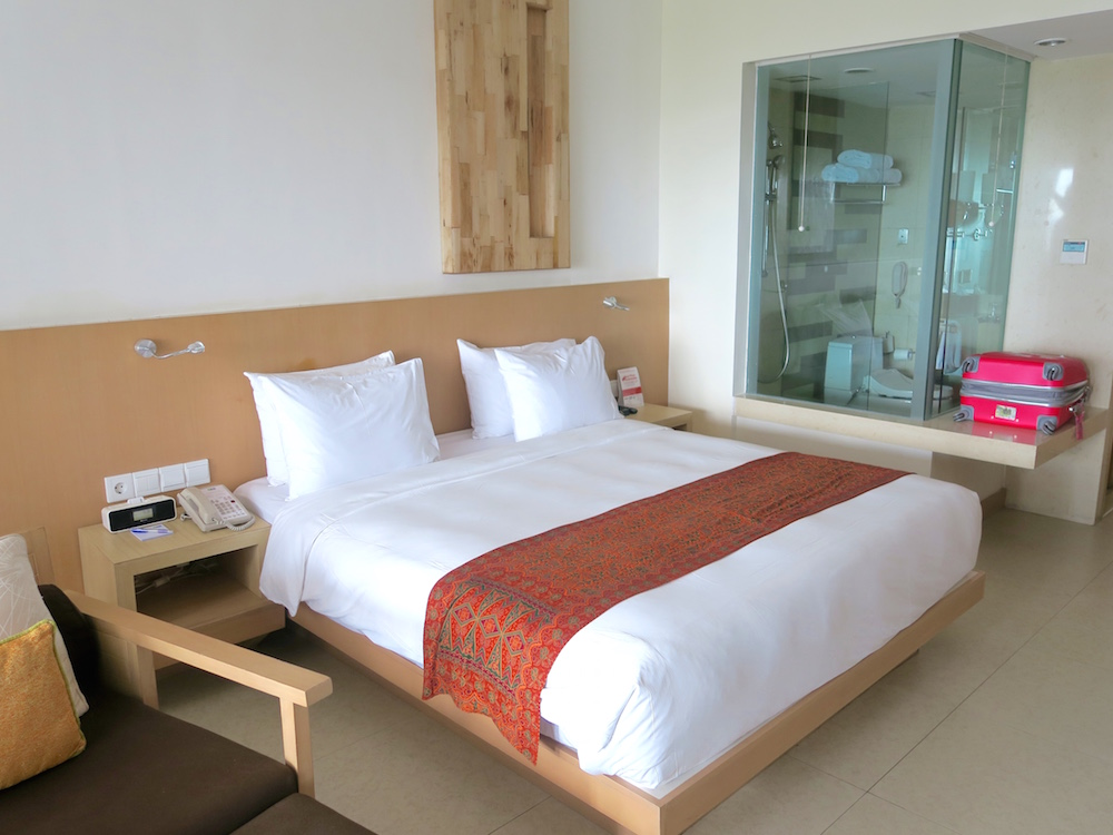 Inside ocean view room at Holiday Inn Baruna Bali |curlytraveller.com