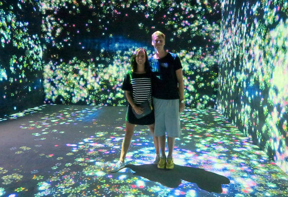 Young couple posing at Future World Artsciencmuseum Singapore |curlytraveller.com