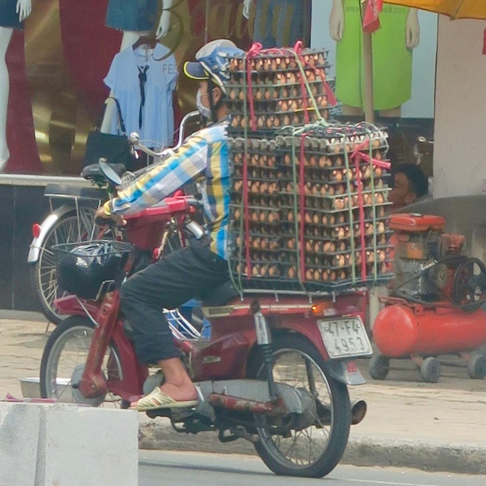 Eggs on the back of a bike in Saigon |curlytraveller.com