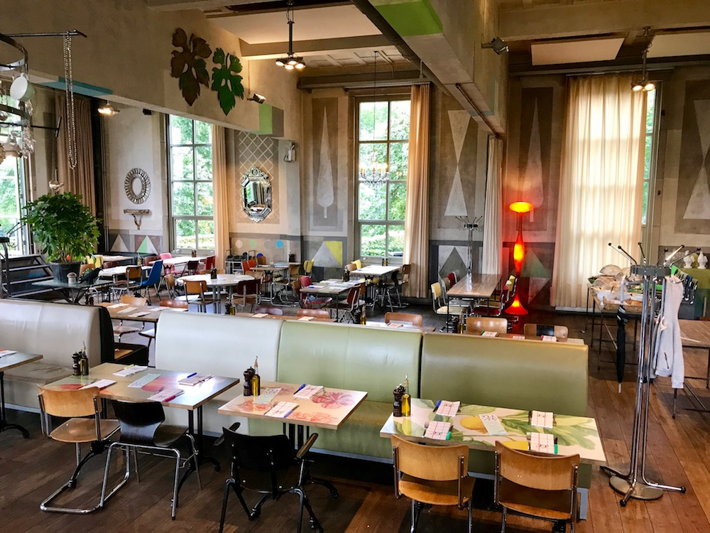 Inside the restaurant at Villa Augustus in Dordrecht |curlytraveller.com