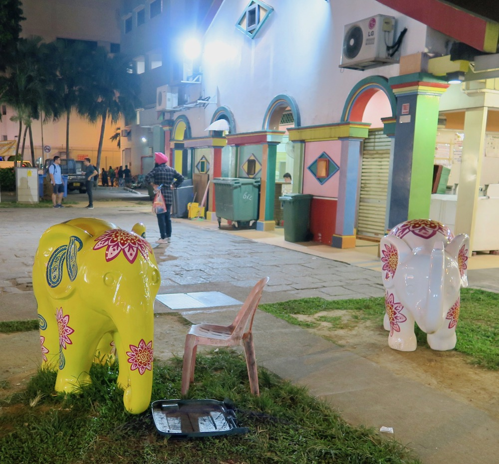 Little elephant statues in Little India Singapore |curlytraveller.com
