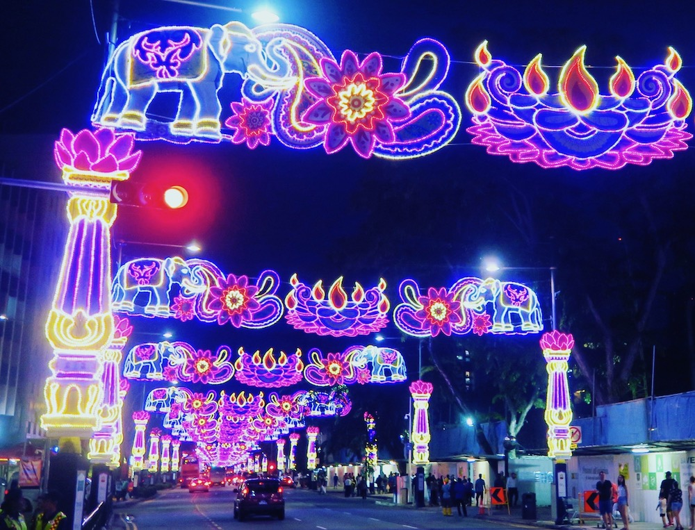 Series of street lights in Little India Singapore |curlytraveller.com
