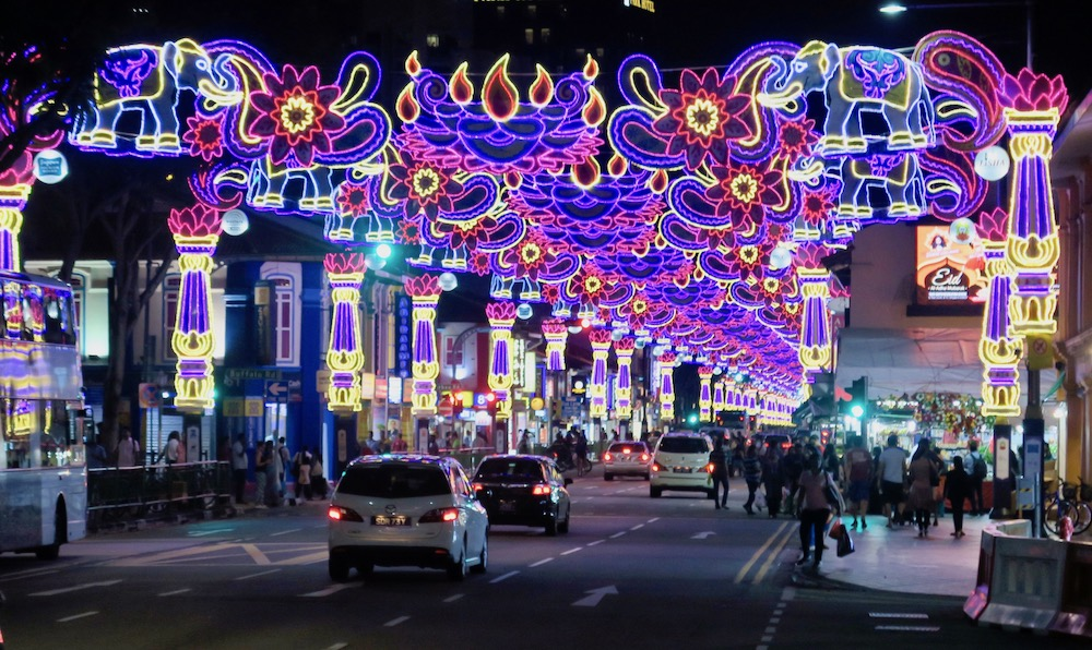 Street lights during Diwali in Little India Singapore |curlytraveller.com