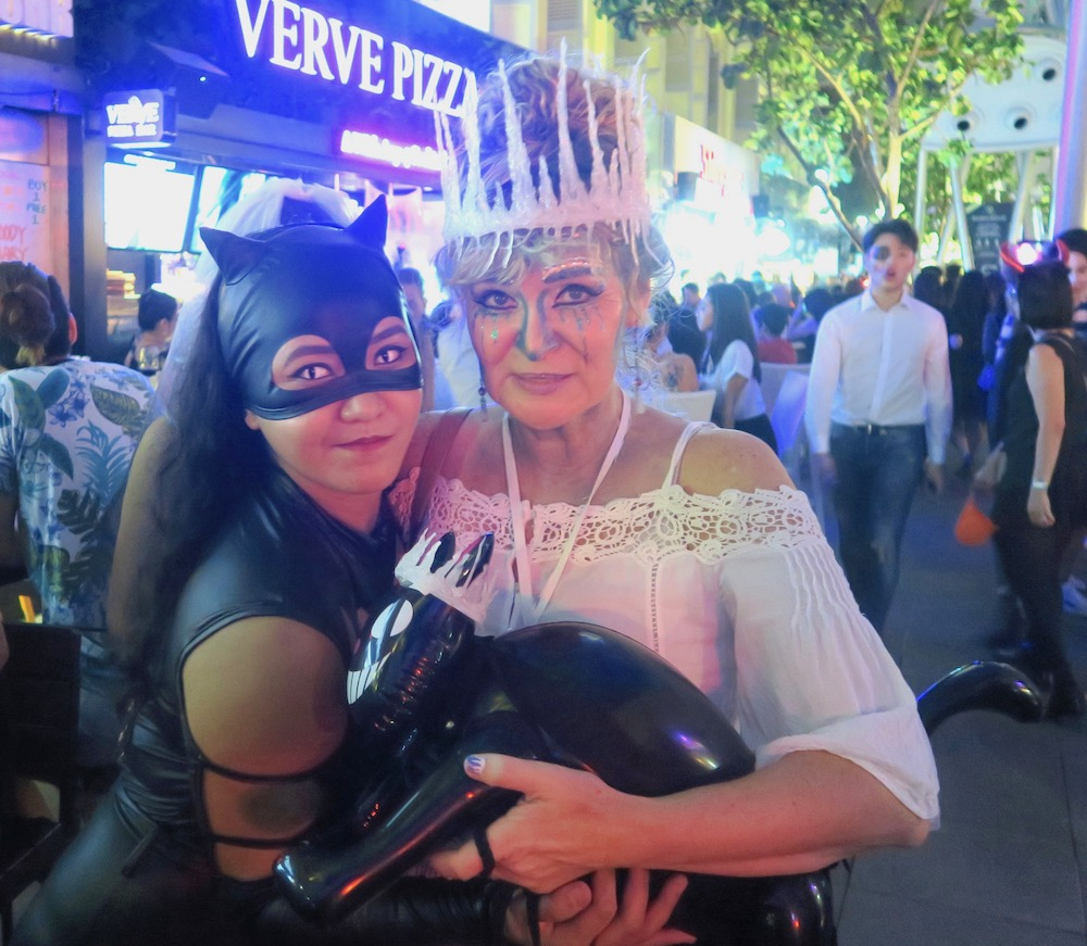 Ice Queen and Cat Woman during Halloween |curlytraveller.com