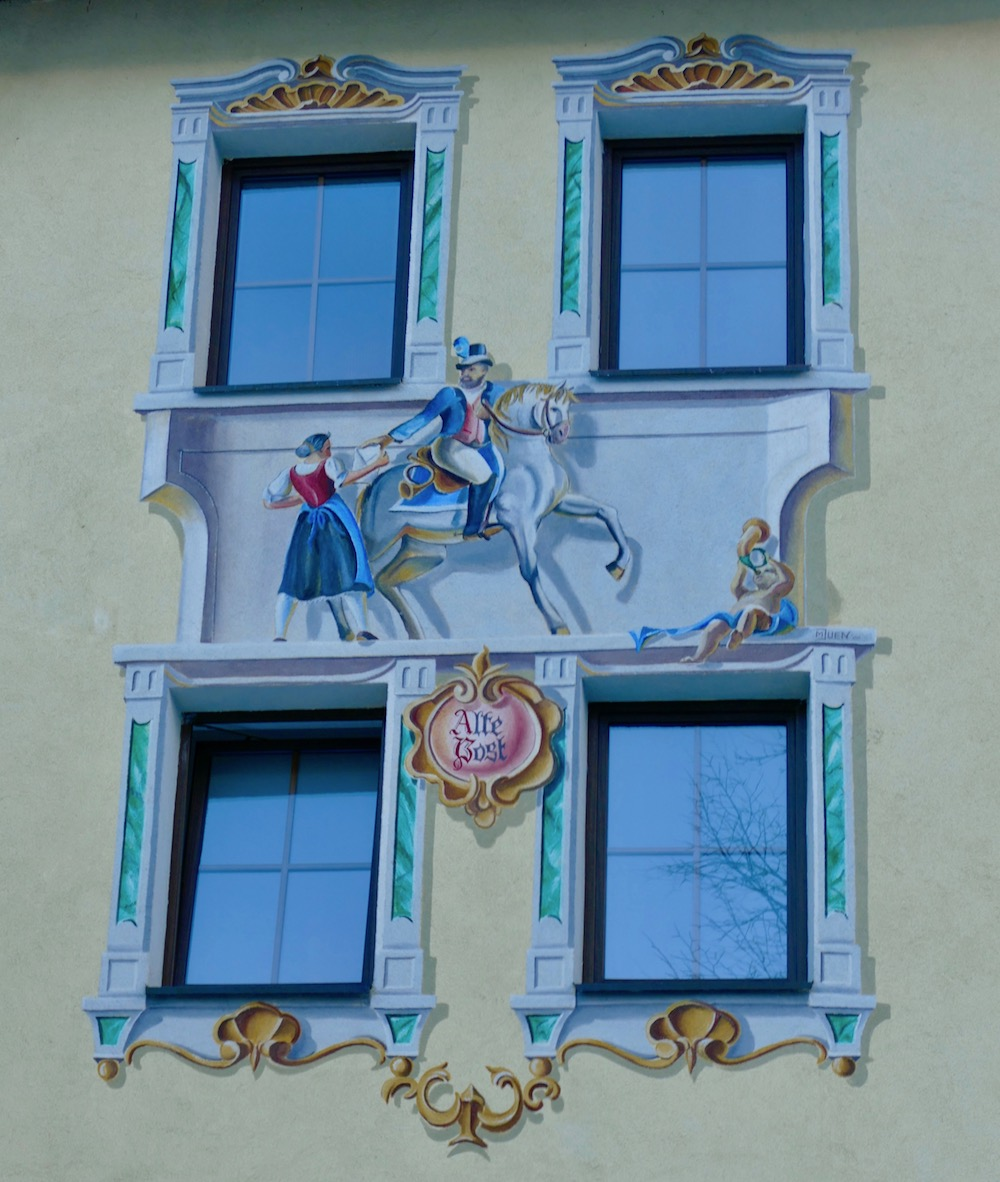 Mail delivery painted on Hotel Alte Post |curlytraveller.com