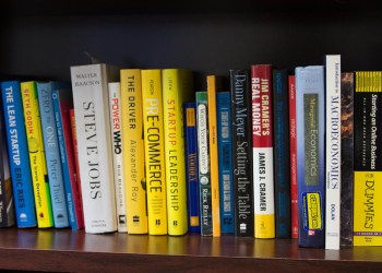 4 Must-Read Books to Succeed in the Solar Industry in 2017