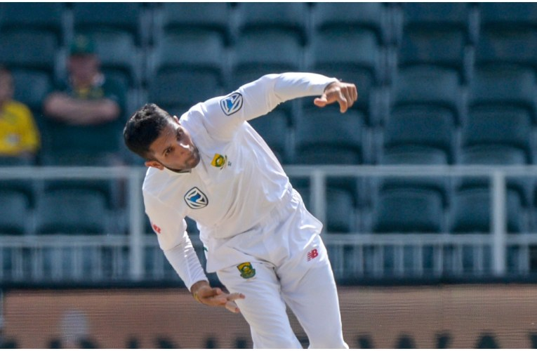 Proteas go wicketless on rain-curtailed 1st day of India Test