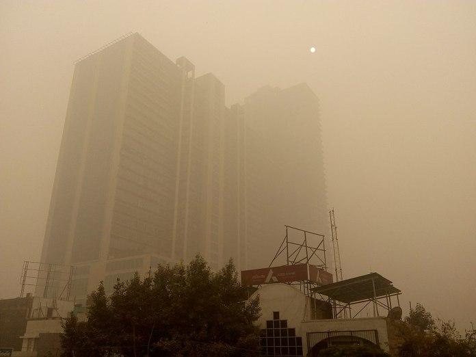 960px-Poulluted_killer_fog_in_Delhi.jpg