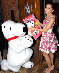 Snoopy & Ariana Grande