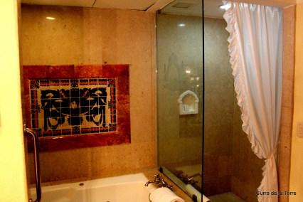 Baño Habitación Hotel Vista Real Guatemala Navidades 2103