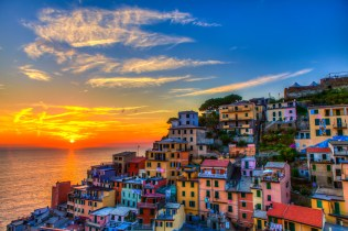 Cinque-Terre-Italy-At-Sunset