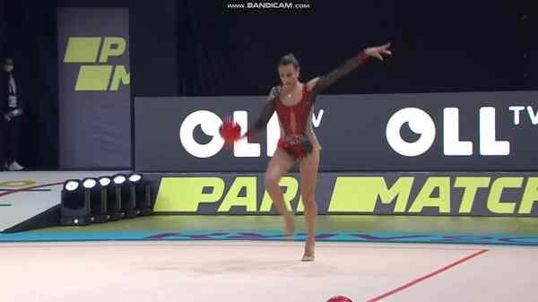 Израильская гимнастка выигрывает золото на Чемпионате ...