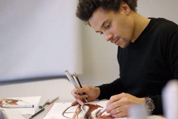 Cursos e Empregos BMW-Designer-Sketching-lg1-580x387 Curso Design de Interiores Cuiabá - MT