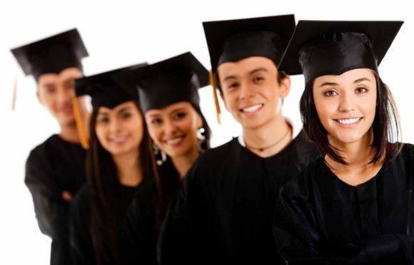 Ambev dá bolsas para estudantes de graduação no exterior. FORME-SE E SEJA UM AMBEV.