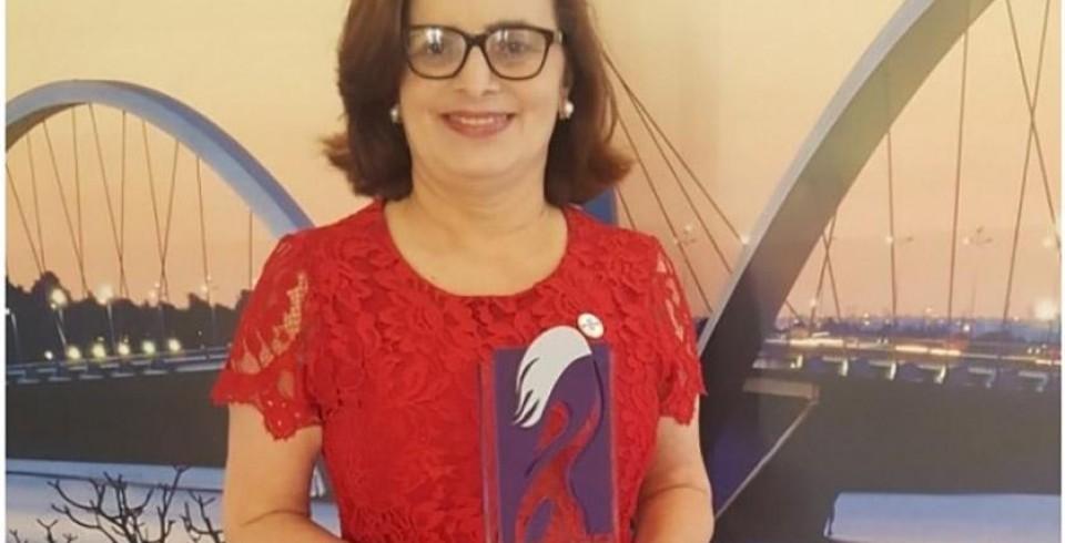 Zenaide Santos recebe prêmio nacional do Sebrae Mulher de Negócios