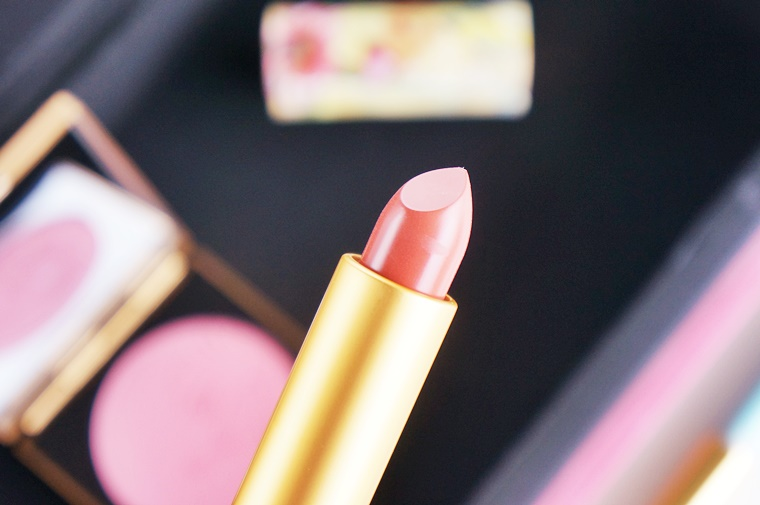 mac guo pei ethereal orchid red water lily 4 - MAC Guo Pei collectie & review