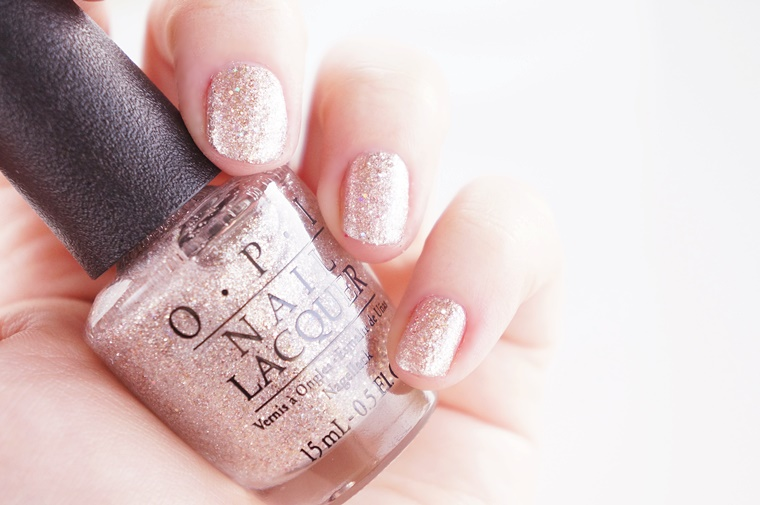 opi over the moon for gold 7 - OPI | Over the moon for gold