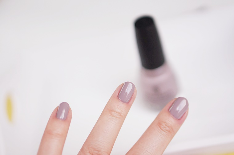 china glaze dope taupe purple fiction 8 - China Glaze Rebel collectie | Dope Taupe & Purple Fiction