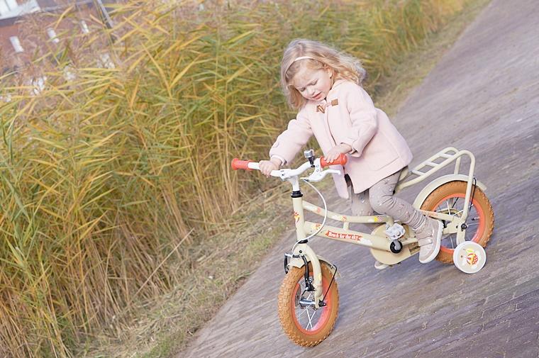 popal kinderfiets 3 - Kids Talk | Shae's eerste echte fiets