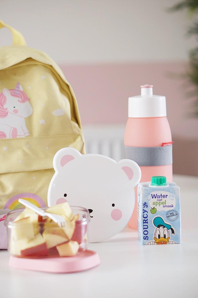 inhoud rugzak basisschool 2 - Mama & Kind | Wat zit er allemaal in Shae's rugzak voor de basisschool?