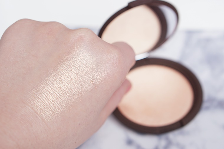 becca first light primer champagne pop highlighter 8 - BECCA First Light primer & Champagne Pop highlighter