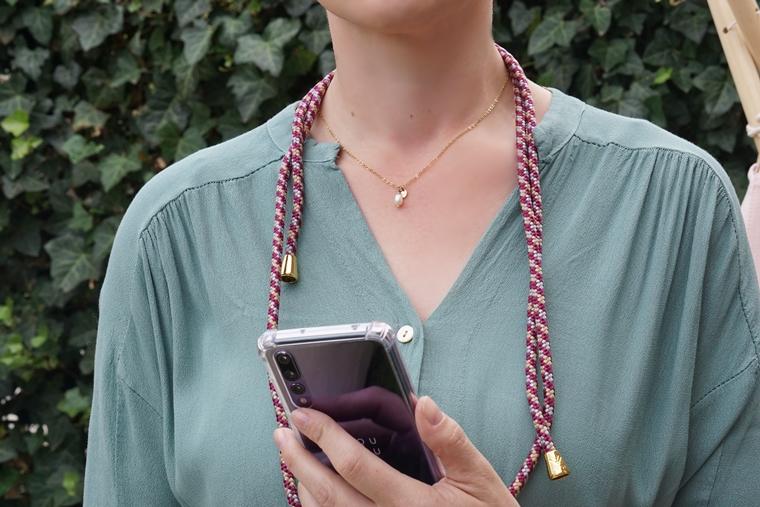 xouxou berlin 2 - Love it! | XOUXOU Berlin smartphone necklace