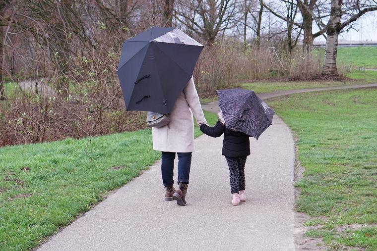 senz paraplu guz 1 - Mini & Me | Twinnen met de nieuwe Senz x Studio Koosje paraplu's