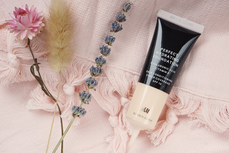 hm perfect hydrating foundation review 3 - Foundation Friday | H&M Perfect Hydrating Foundation