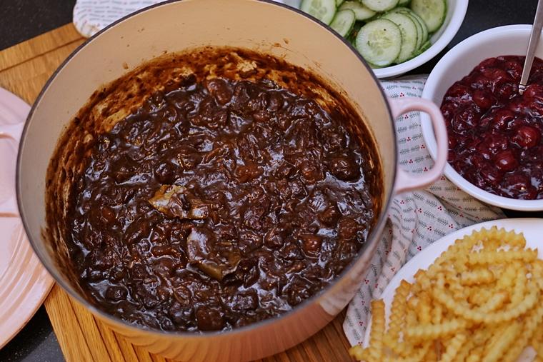 recept limburgs stoofvlees zoervleisj 3 - BK Bourgogne | De perfecte braadpan (Zoervleisj recept)