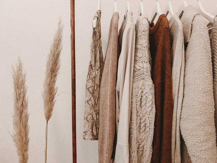 overzicht in je kledingkast tips 2 - Tips voor meer overzicht in je kledingkast
