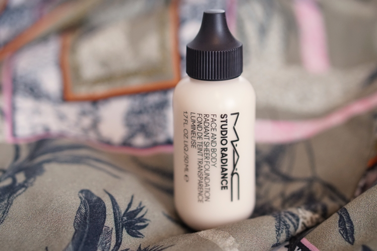 mac studio radiance face and body foundation review C0 4 - Foundation Friday | MAC Studio Radiance face and body foundation
