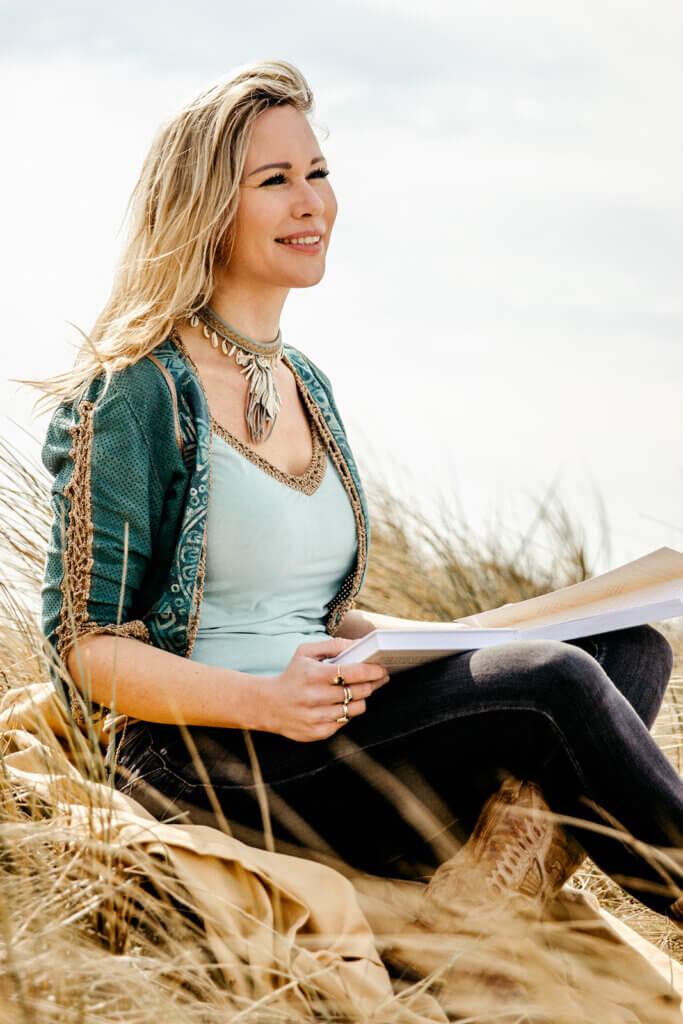 marjolein berendsen holistisch leven boek 1 - Mindstyle | Holistisch Leven, moeiteloos gelukkig zijn (boekentip)
